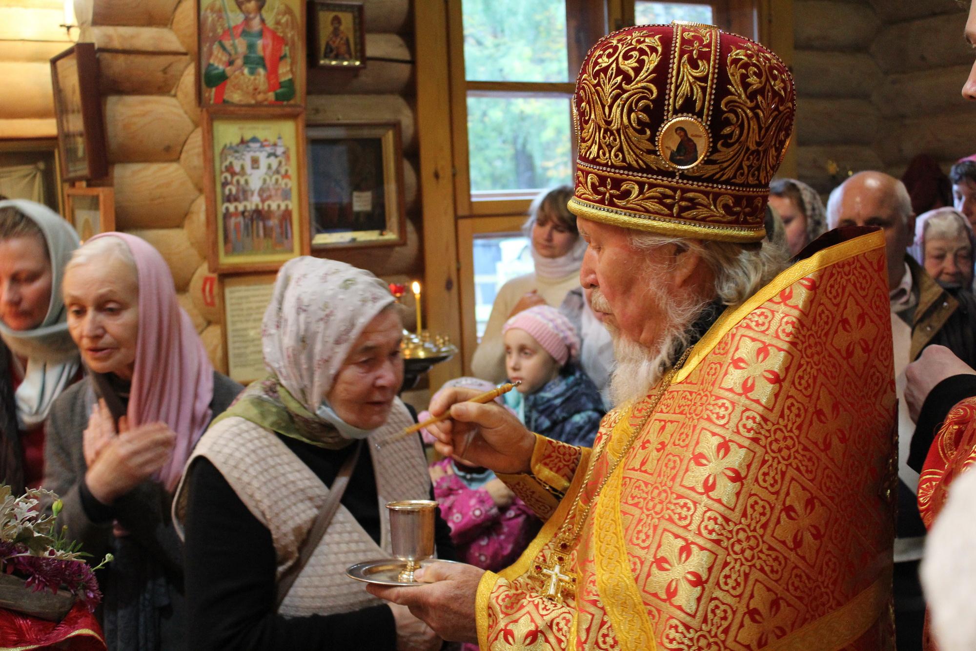 «Господь так всё устроил» — на сайте Вятской Епархии опубликовано интервью протоиерея Симеона Петрова